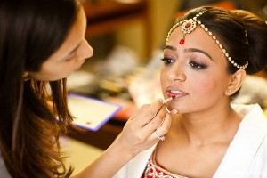 indian-wedding-bride-getting-ready-makeup